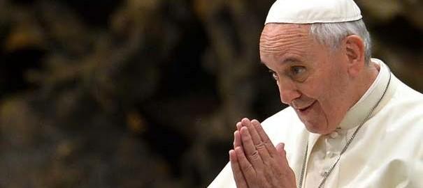papa-francisco-morderse-lengua-dejar-de-criticar-ser-santos